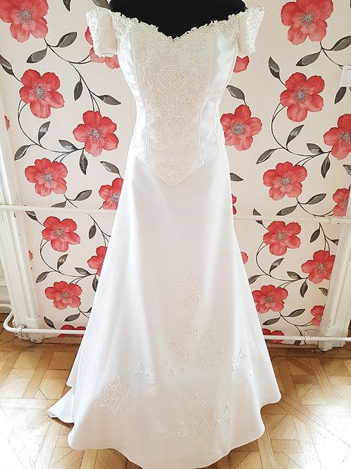 M76 Menyasszonyi ruha