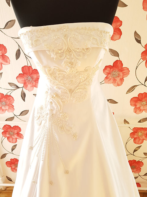 M73 Menyasszonyi ruha