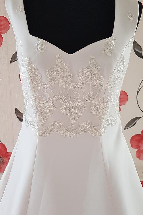 33. Menyasszonyi ruha