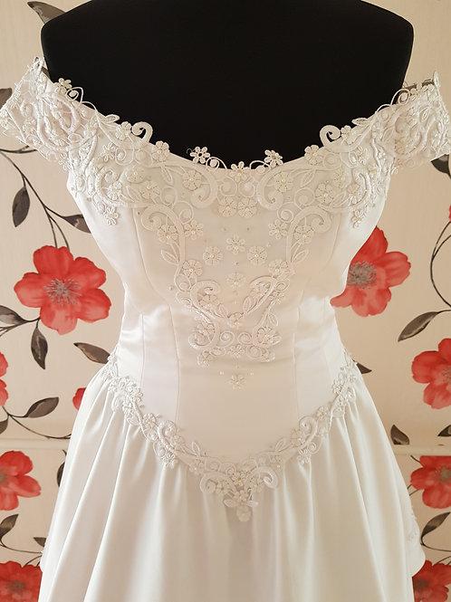 M97 Menyasszonyi ruha
