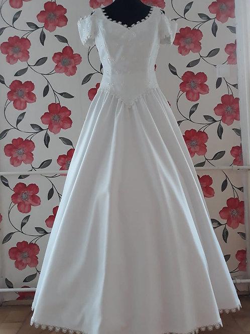 M4 Menyasszonyi ruha