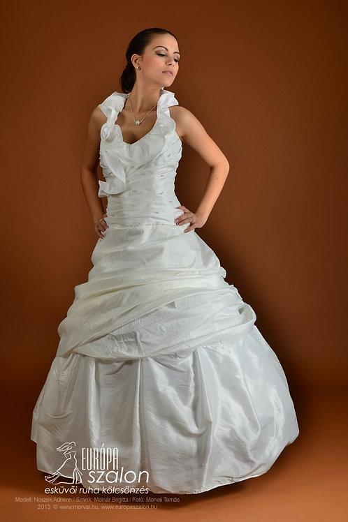M10 Menyasszonyi ruha