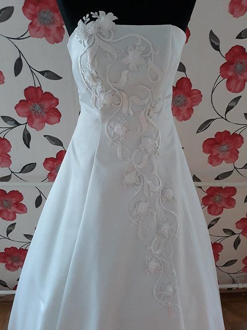 M7 Menyasszonyi ruha