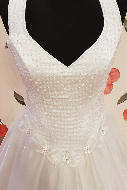 F68 Menyasszonyi ruha