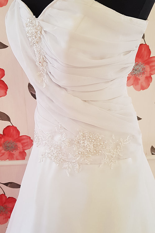 24. Menyasszonyi ruha