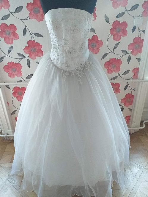 M57 Menyasszonyi ruha
