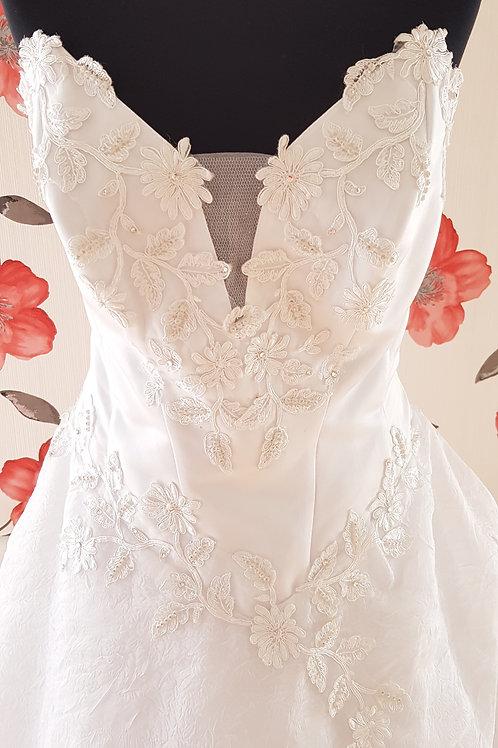MIR_2 Menyasszonyi ruha