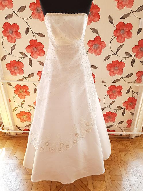 M92 Menyasszonyi ruha