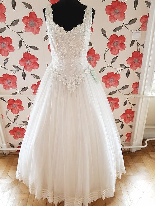M82 Menyasszonyi ruha