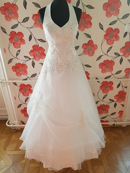 F9 Menyasszonyi ruha