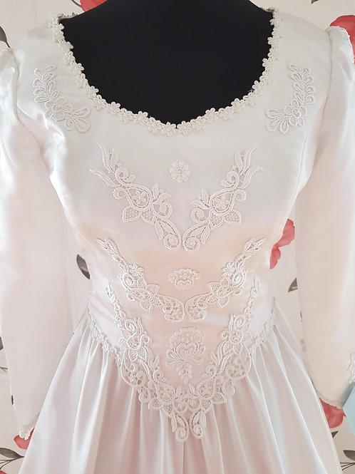 M118 Menyasszonyi ruha