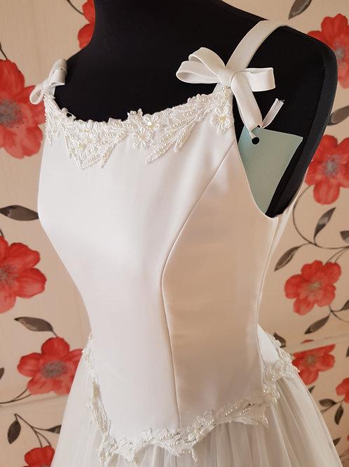 M105 Menyasszonyi ruha