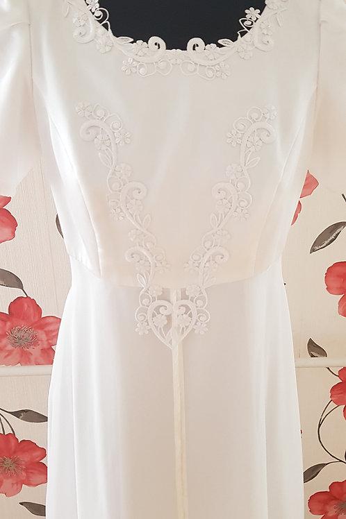 F33 Menyasszonyi ruha