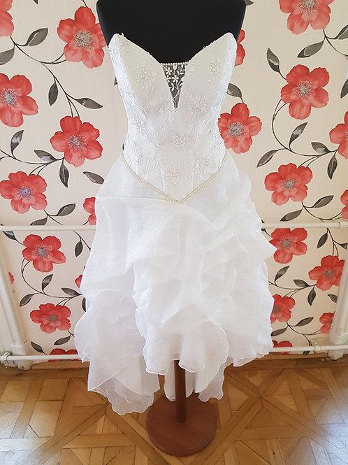 F16 Menyasszonyi ruha