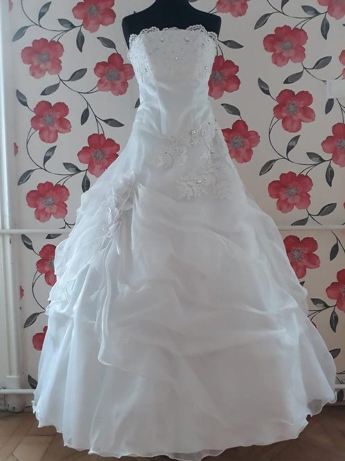 M17 Menyasszonyi ruha