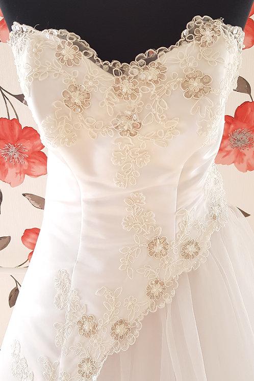 MIR_3 Menyasszonyi ruha