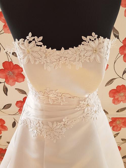 1. menyasszonyi ruha