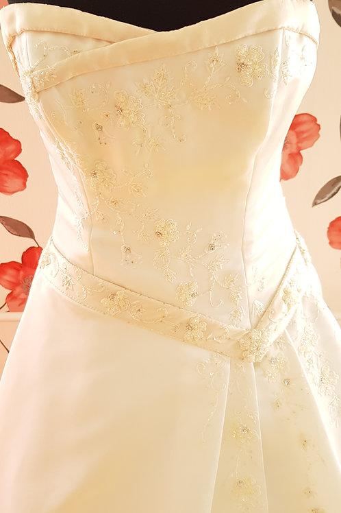 29. Menyasszonyi ruha