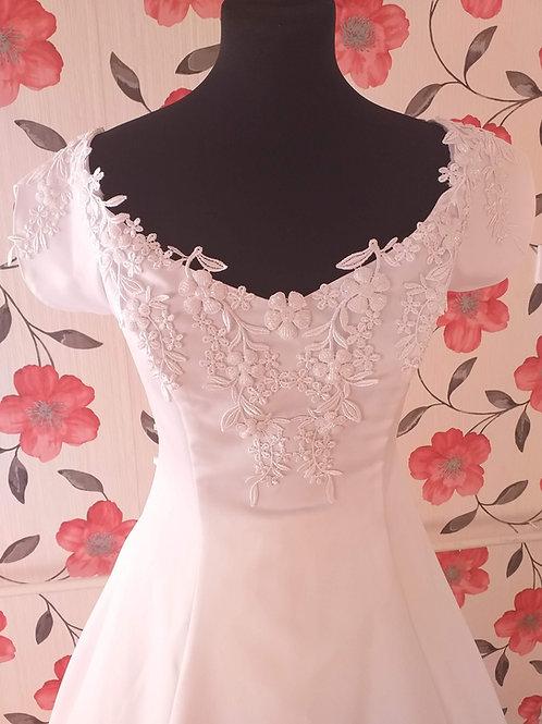 M56 Menyasszonyi ruha