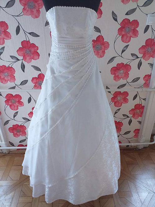 M68 Menyasszonyi ruha
