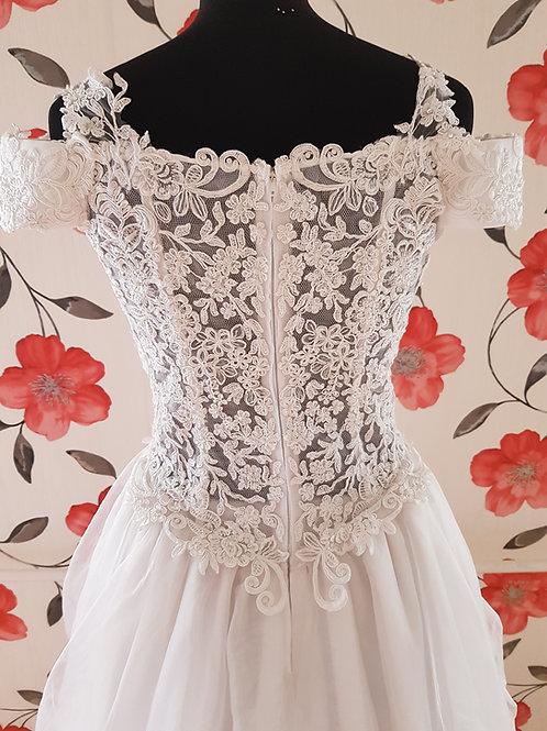 M99 Menyasszonyi ruha