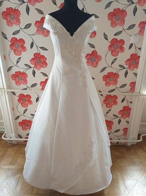 M47 Menyasszonyi ruha
