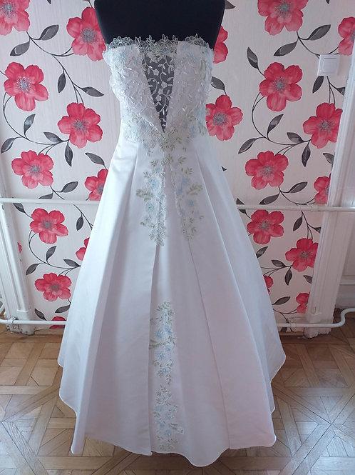 M43 Menyasszonyi ruha