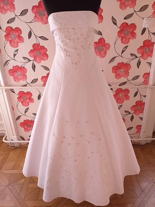 M49 Menyasszonyi ruha