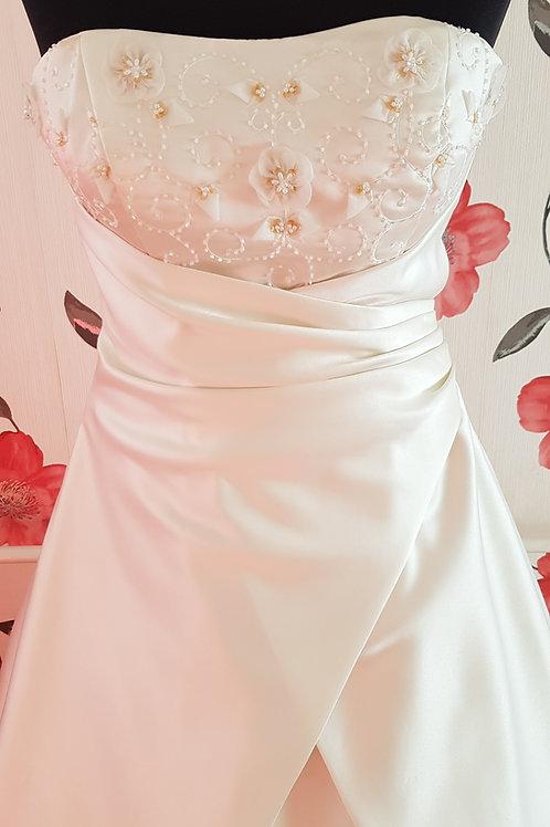 16. Menyasszonyi ruha