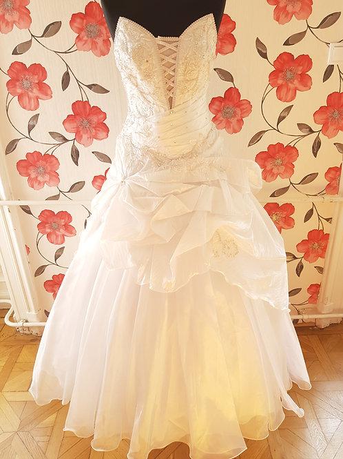F1 Menyasszonyi ruha