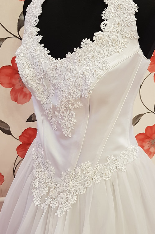 F63 Menyasszonyi ruha