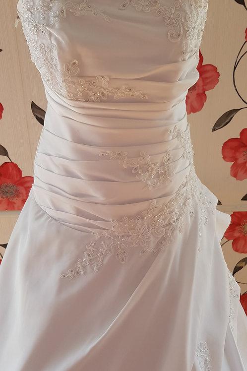 F52 Menyasszonyi ruha