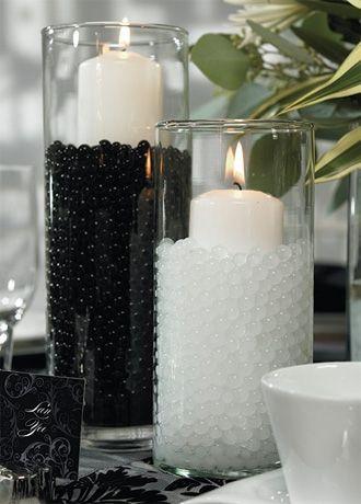 Fekete-fehér esküvői asztaldísz