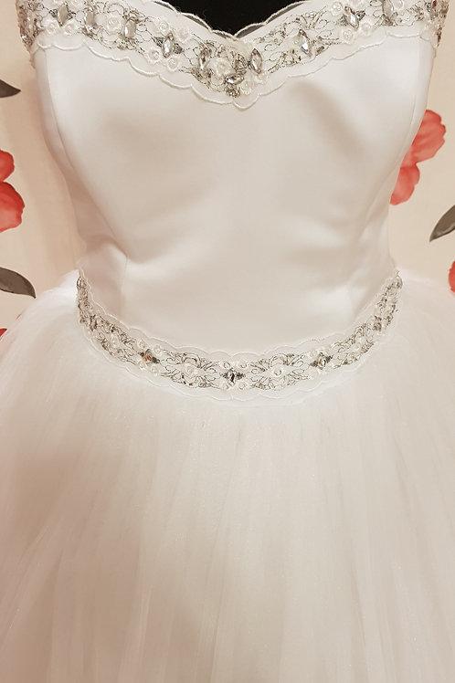 É5 Menyasszonyi ruha