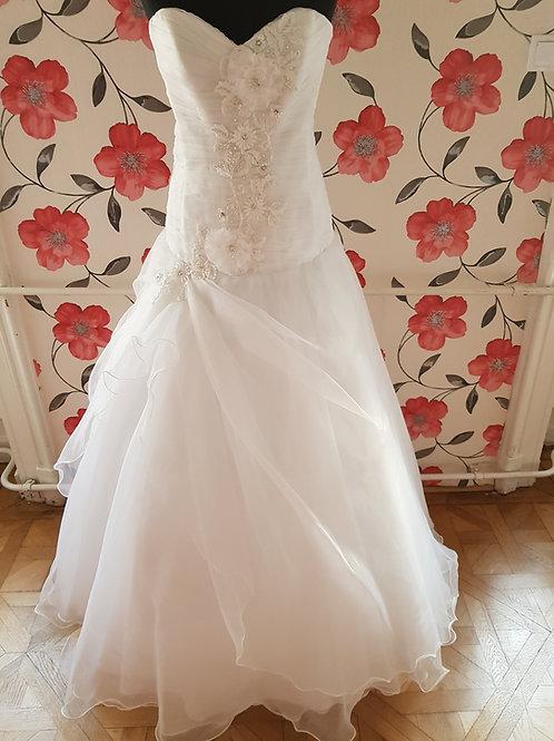 F17 Menyasszonyi ruha