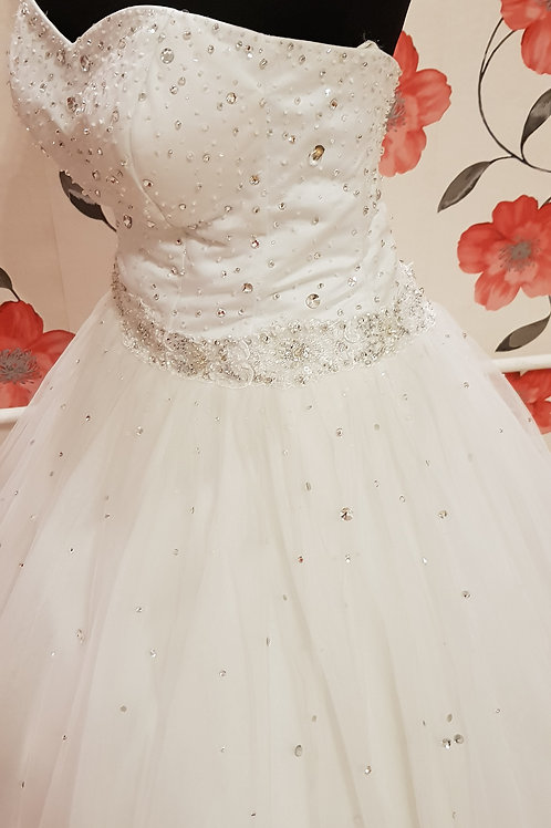 É2 Menyasszonyi ruha