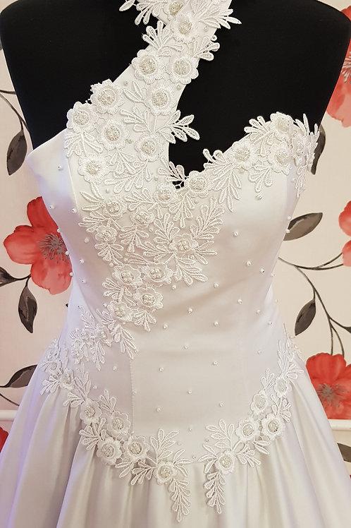 F58 Menyasszonyi ruha