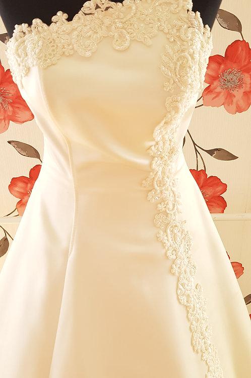 F49 Menyasszonyi ruha