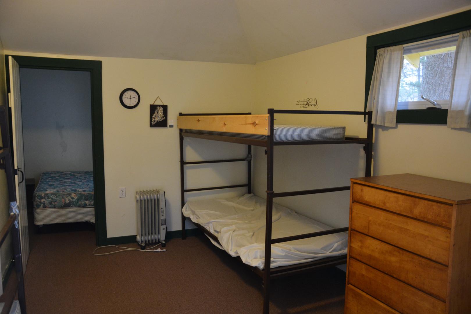 Ataloa Small Cabin Bunk Room