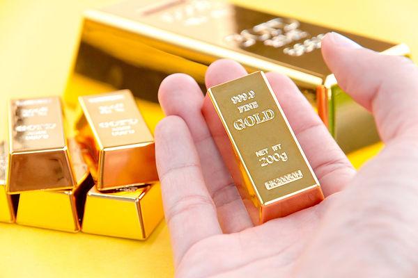 gold dealer.jpg