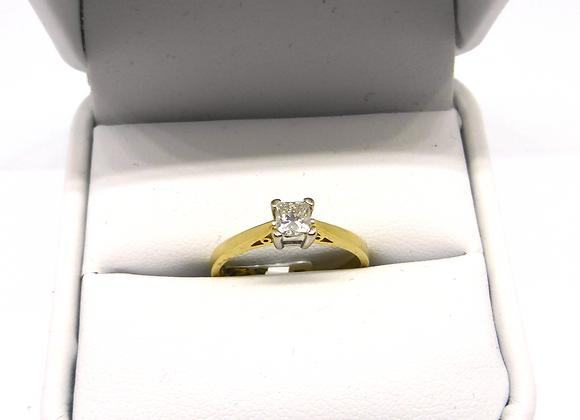 18CT GOLD 1/3 DIAMOND RING