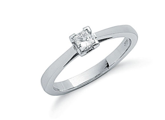 PLATINUM .25CT PRINCESS CUT DIAMOND RING