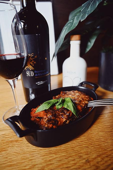 Lasagna et vin.jpg
