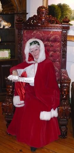 Mrs Claus chair INN