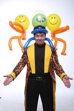 PB alian hat balloon