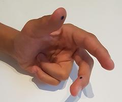 points_bleus_gaucher_-_Samirra_TRARI_gra
