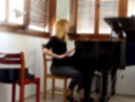 Shira legmann piano musician