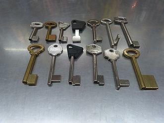 copia de llaves gorjas esplugues