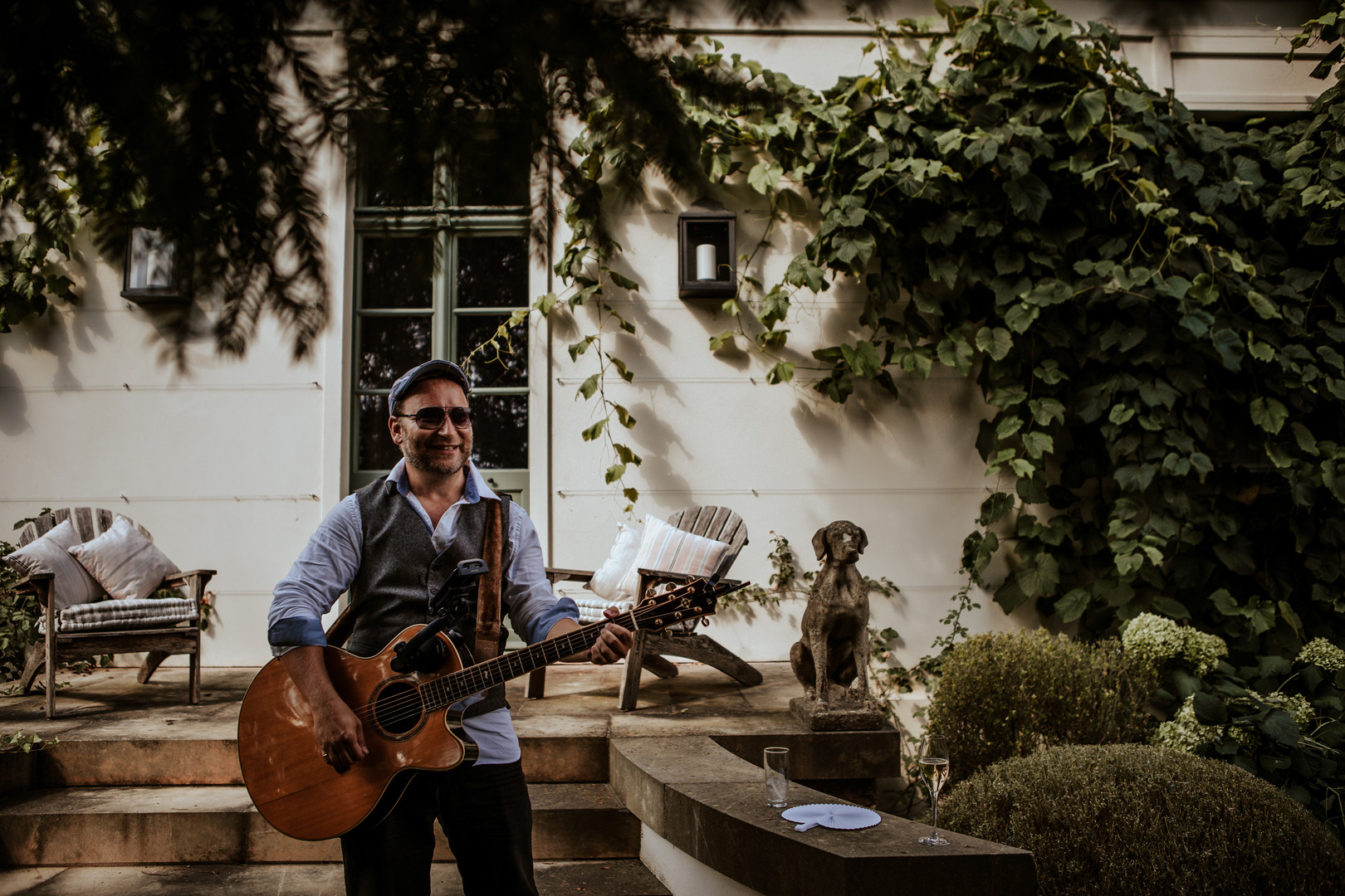 Singing Guitarists Near Me for Events, Parties and Weddings