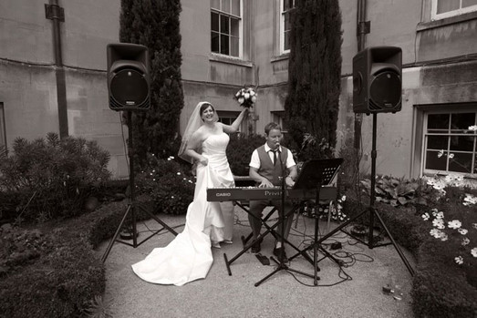 Singing Pianists near me for Events, Parties and Weddings